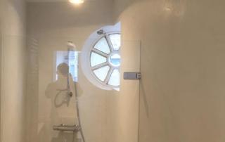 Badkamer in Amsterdam afgewerkt met Beal Mortex